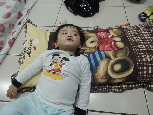 Eon Watching TV (3) by adi pratama 001