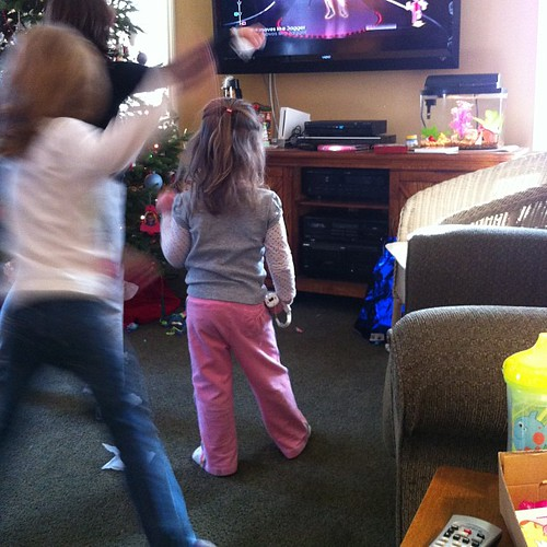 Teagan got almost 1,000 points in her dance. #wii #justdance