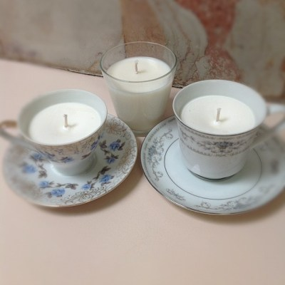 Joining the candle making phase today with these green tea & lychee soy candles. Mmmmm