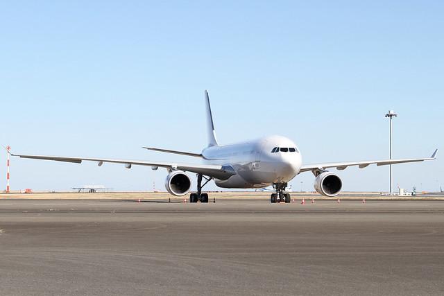 Hongkong Jet A330-200(VP-CBE)