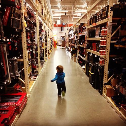 Little Charlie, big store #runawayfrommom #lastminuteshopping