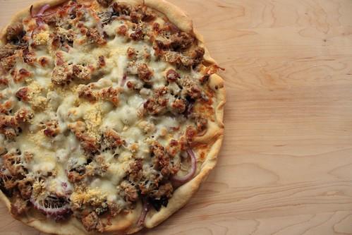2012 07 3 Mushroom + Suasage Pizza (2)