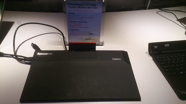 ThinkVision LT1423p back (by Andreas Agotthelf)