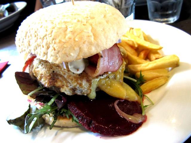 Kiwi burger 1