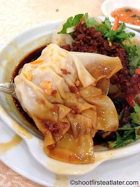 Shanghai wonton in chili & sour sauce-001