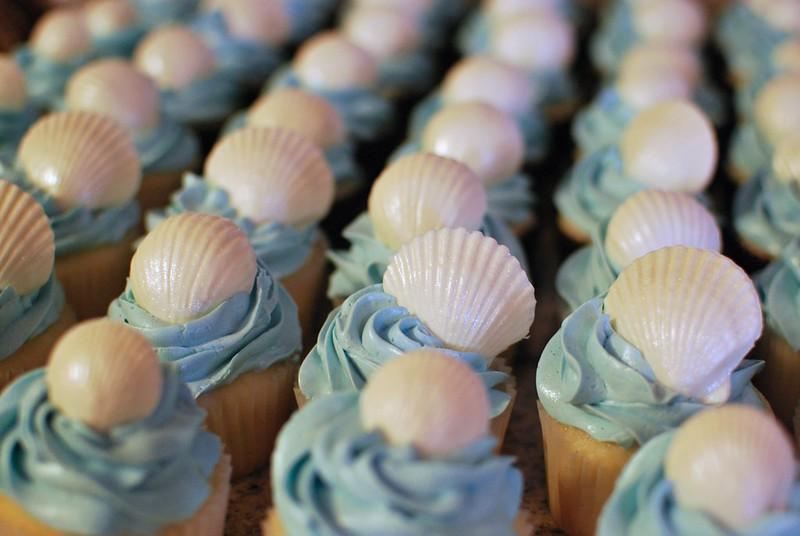 Chiffon Cupcakes w/ Swiss Meringue Buttercream