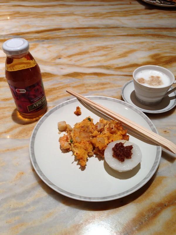 Breakfast at Silver Kris Lounge