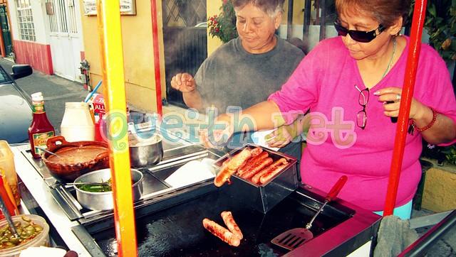 Fotos de los hotdogs al estilo sonorense. :9 (la vez pasada solo puse de los nachos).