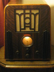 A 1935 Temple Art Deco Wireless Radio