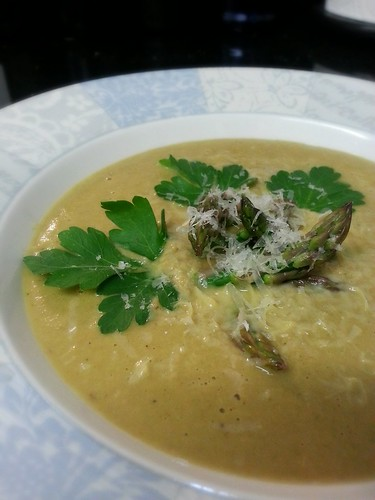 Cream of mushroom and asparagus soup by pipsyq