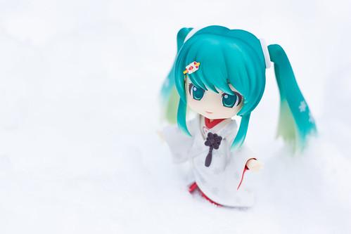 Snow Miku: Strawberry white kimono version