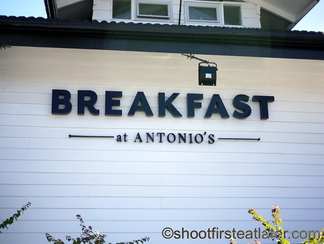 Breakfast at Antonio's-002