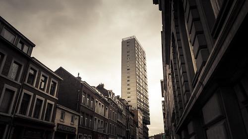 Unstable Equilibrium (Liège, Belgium) - Photo : Gilderic