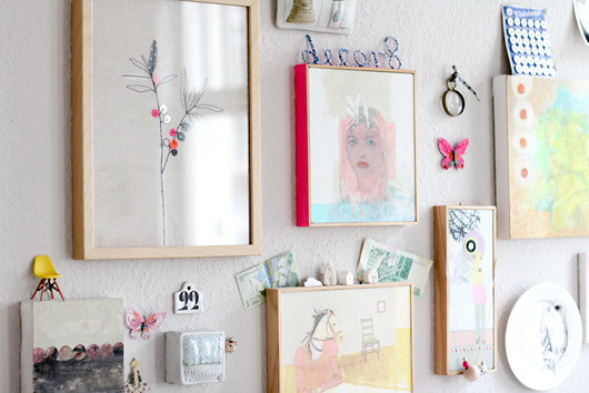 Easy DIY: Taped Frames