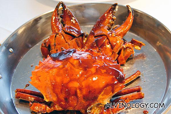 """冠华咖啡焗肉蟹Live crabs, Bay's signature """"Kopi"""" sauce (Market price)"""