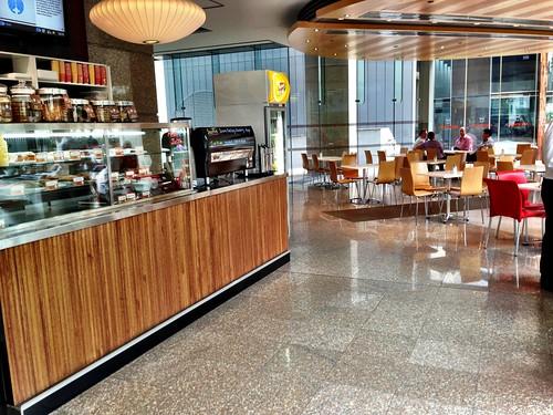 Rosso Espresso foyer