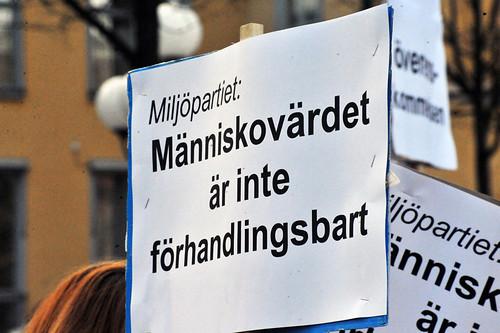 Människovärdet är inte förhandlingsbart - men har verkligen MP försökt förhandla bort det? Den frågan behandlade jag i mitt förra inlägg. Foto: Anders Henrikson, CC-BY 2.0.