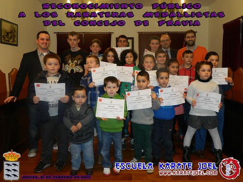 Foto de grupo de los Reconocimientos Públicos en Pravia
