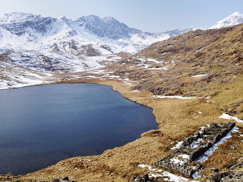 Llyn Teyrn + ruins, Miners' Track, Snowdonia, Pen-y-Pass