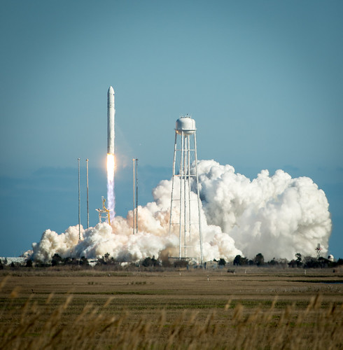Antares Rocket Test Launch (201304210006HQ)