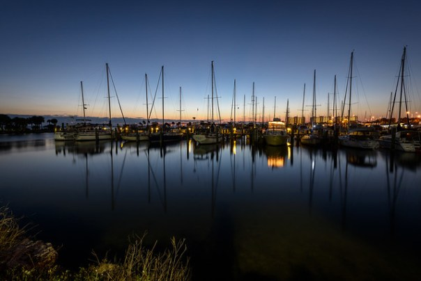 Many morning masts at the Municipal Marina