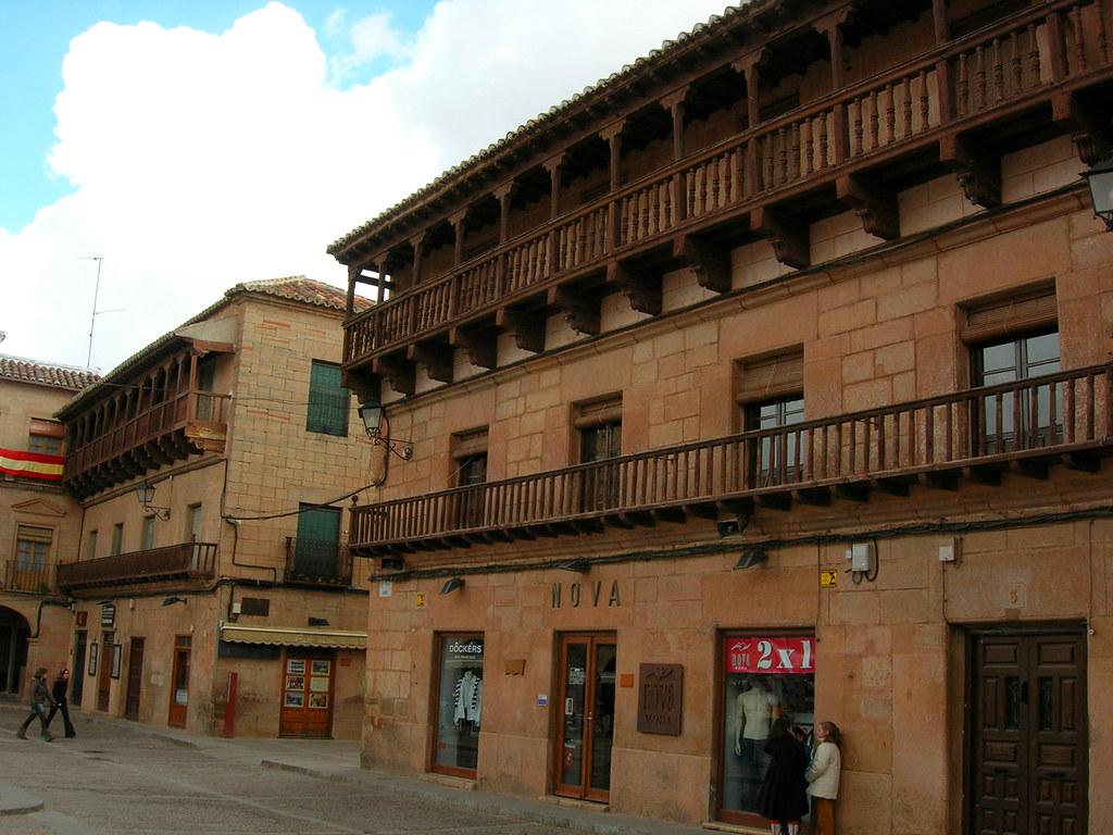 Balconadas de madera de la Plaza Mayor. Villanueva de los Infantes