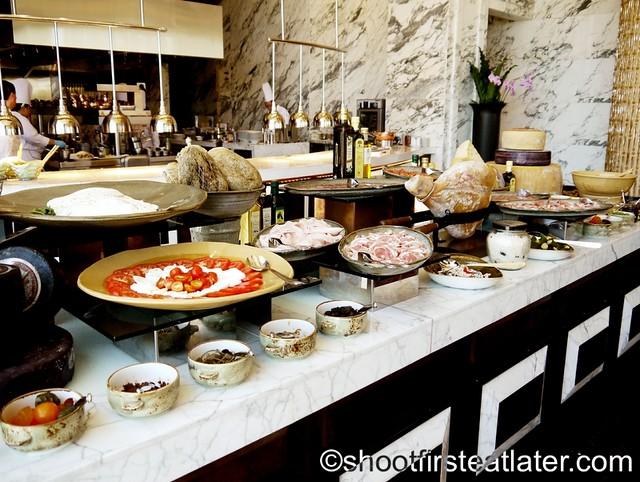 antipasto buffet P1,460