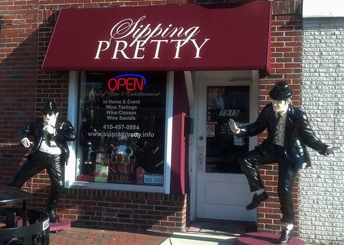 Blues Brothers Statues at Sipping Pretty