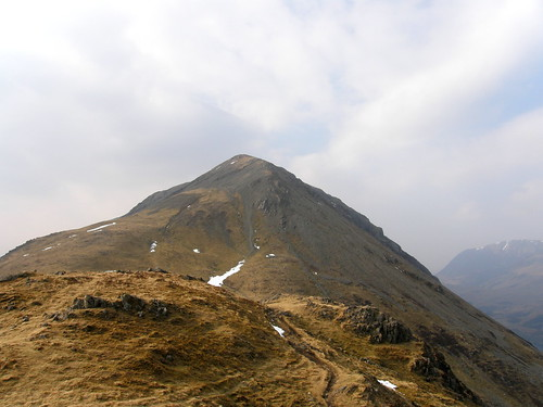 The steep descent from High Crag