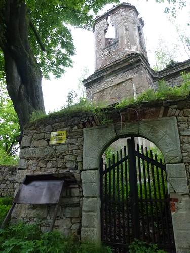 Ruiny kościoła w Uniemyślu by Polek