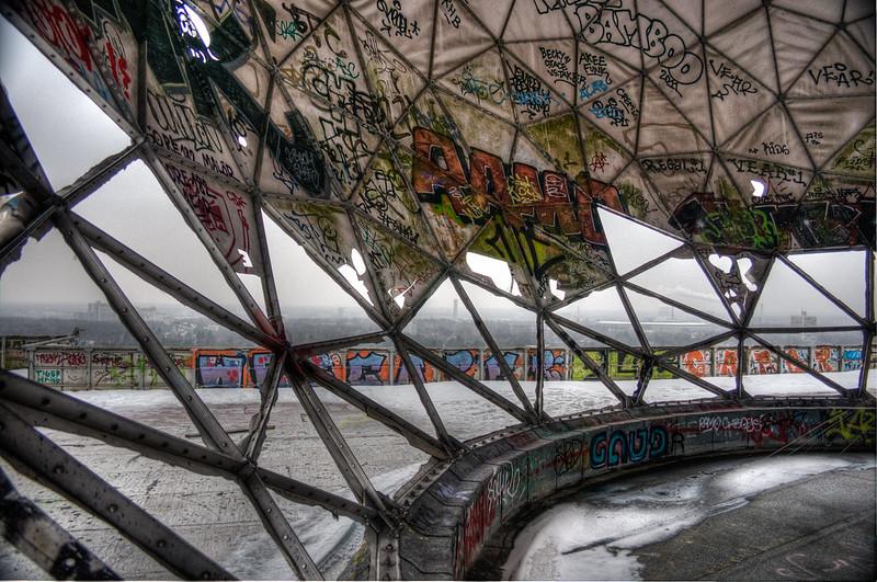 abandoned buildings Berlin Graffiti-36