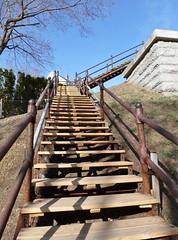 (New) stairs to Echo Bridge