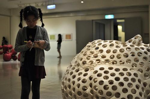 近期看的展覽:2012台北獎、Tony Cragg雕塑展、2013高雄獎、陳致元原畫展(8.7-8.8ys)