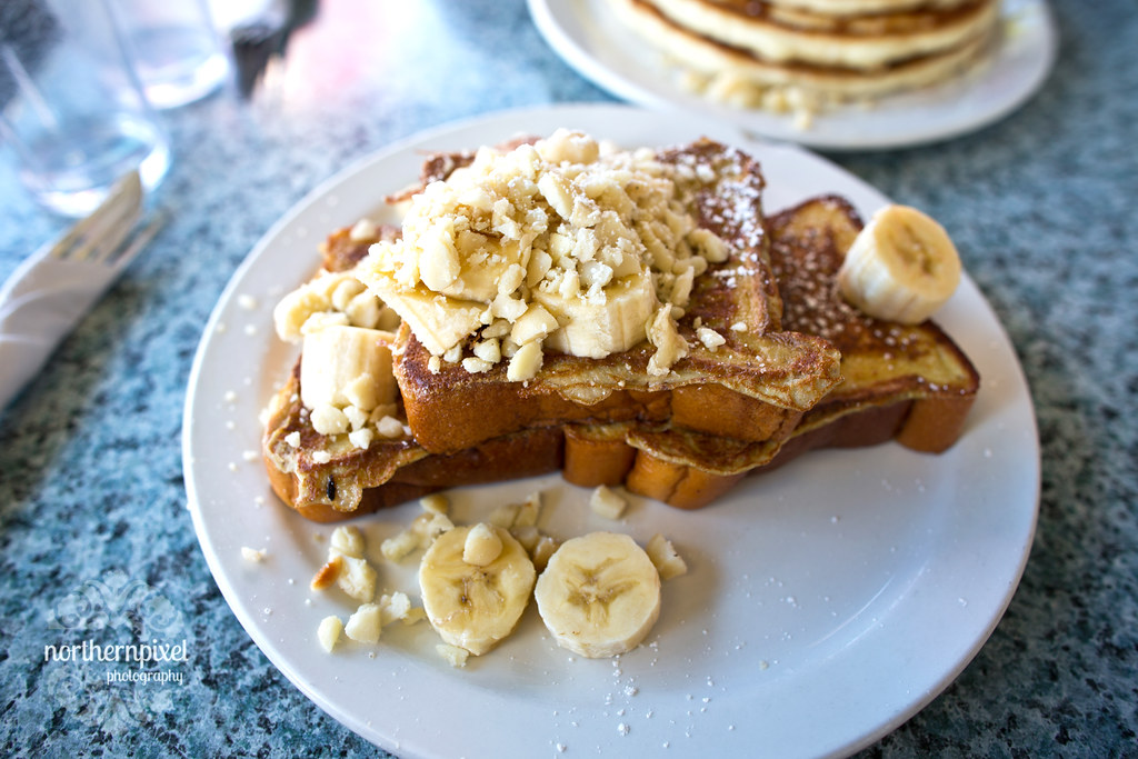 Kihei Cafe Breakfast - Banana Macadamia Nut French Toast