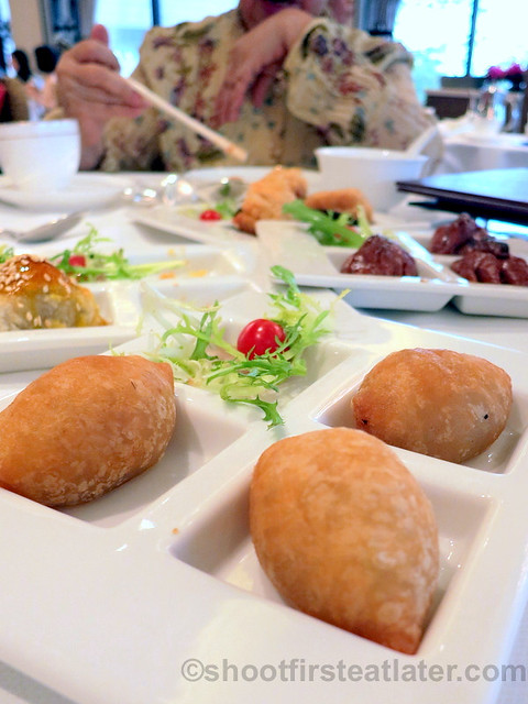 deep fried sticky dumpling filled with minced pork & dried shrimp HK$18