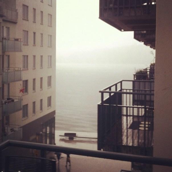 Helt plötsligt försvann Södermalm i regnet. Kanske inte så kul för den som är på Kent-konsert just nu.