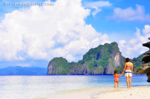 Mother and Daughter, Simizu Island, El Nido, Palawan