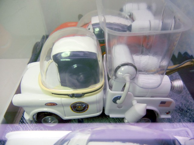 disney store cars mater to the moon set (6)