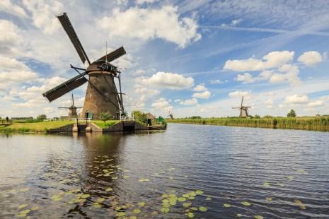 Dutch cliché clouds & mills @Kinderdijk