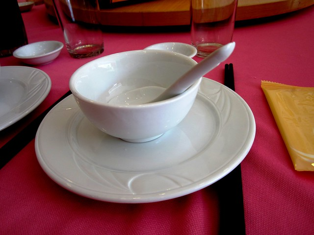 Porcelain crockery
