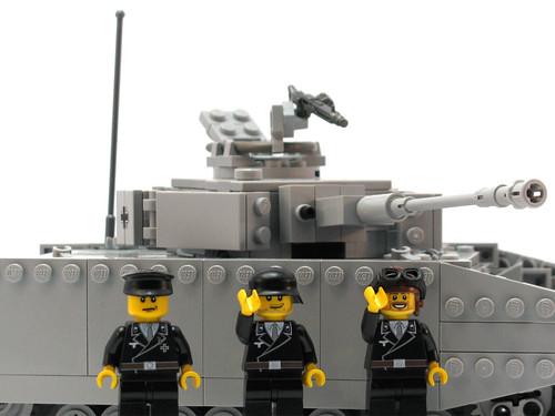 BRiCKiZiMO panzer crew minifigs