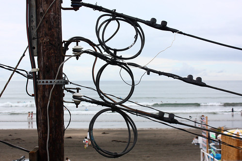 Wires on Kamakura beach