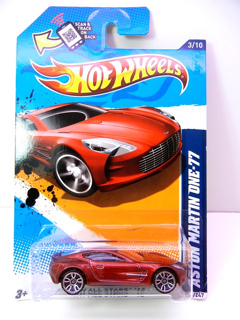 hot wheels aston martin one-77 burgundy (1)