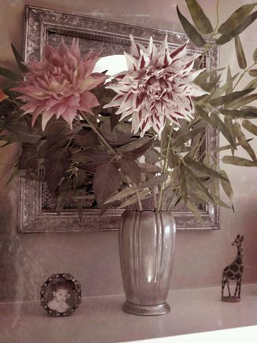 Flower Arrangement by PhotoSkunk