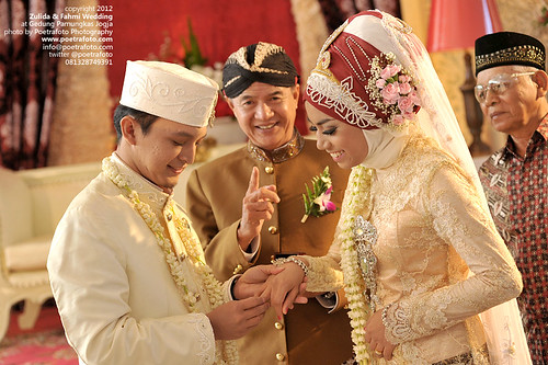 Professional Wedding Photographer Indonesia by POETRAFOTO - Fotografer Yogyakarta Indonesia