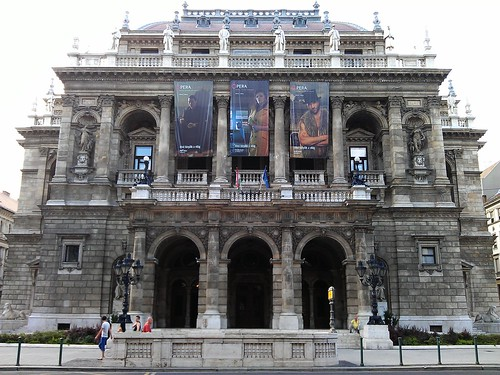 Día 3: Hungría (Budapest: Belvaros. Lipotvaros con Basílica y Parlamento. Erzsebetvaros con Sinagoga. Andrassy. Baños Szechenyi, etc).)