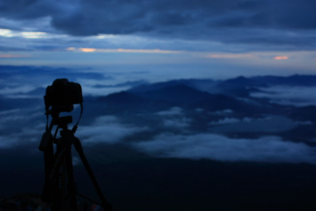 Sunrise from Mount Fuji (5/6)