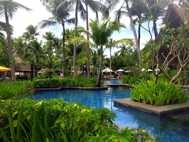 pool @ Shangri-La Boracay