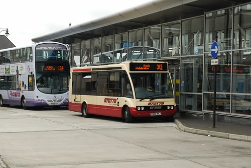 Little and Large: Volvo B9TL and Optare Solo, Oldham Bus Station