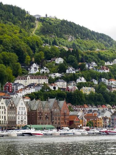 123 Bryggen Monte Floyen y Barcos atracados